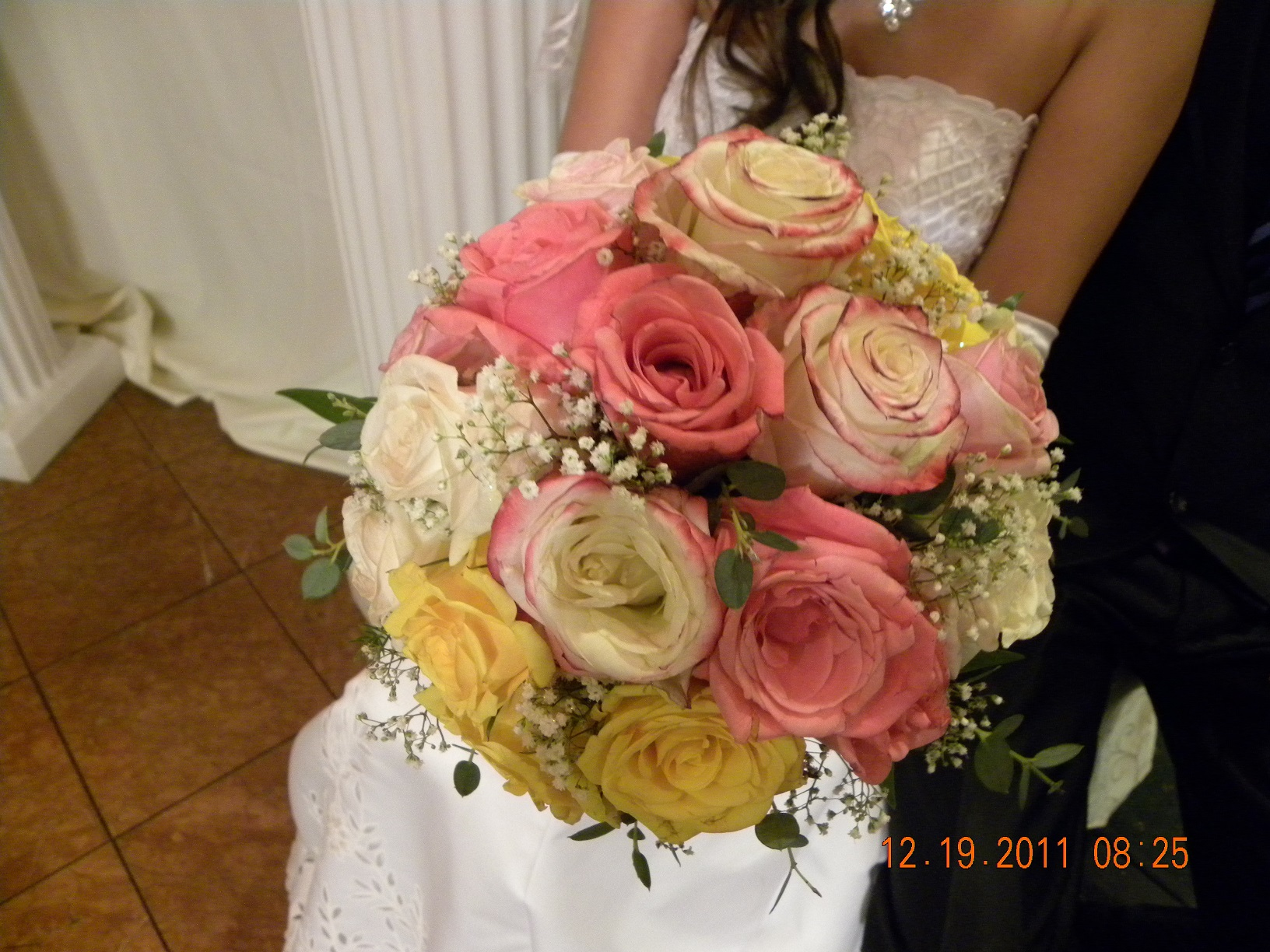 Hand bouquet anns flowers and gifts online store powered by hand bouquet izmirmasajfo