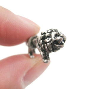 3D Fake Gauge Realistic Lion Animal Stud Earrings in Silver