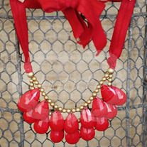 knotiebib ~ red