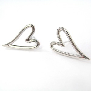Small Simple Love Heart Shaped Cut Out Stud Earrings in Silver