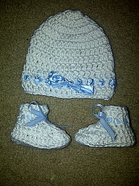 White Baby Booties and Hat Set · Jasmine and Arianna s Boutique ... 33808d813a2