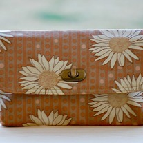 Mini Clutch - Daisies - Mother's Day Special - Was $45 Now $36