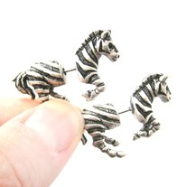 Unique Fake Gauge Zebra Shaped Animal Horse Stud Earrings in Silver