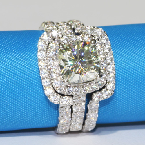 3 CT Center NSCD SONA SIMULATED Diamond Cushion Cut Wedding