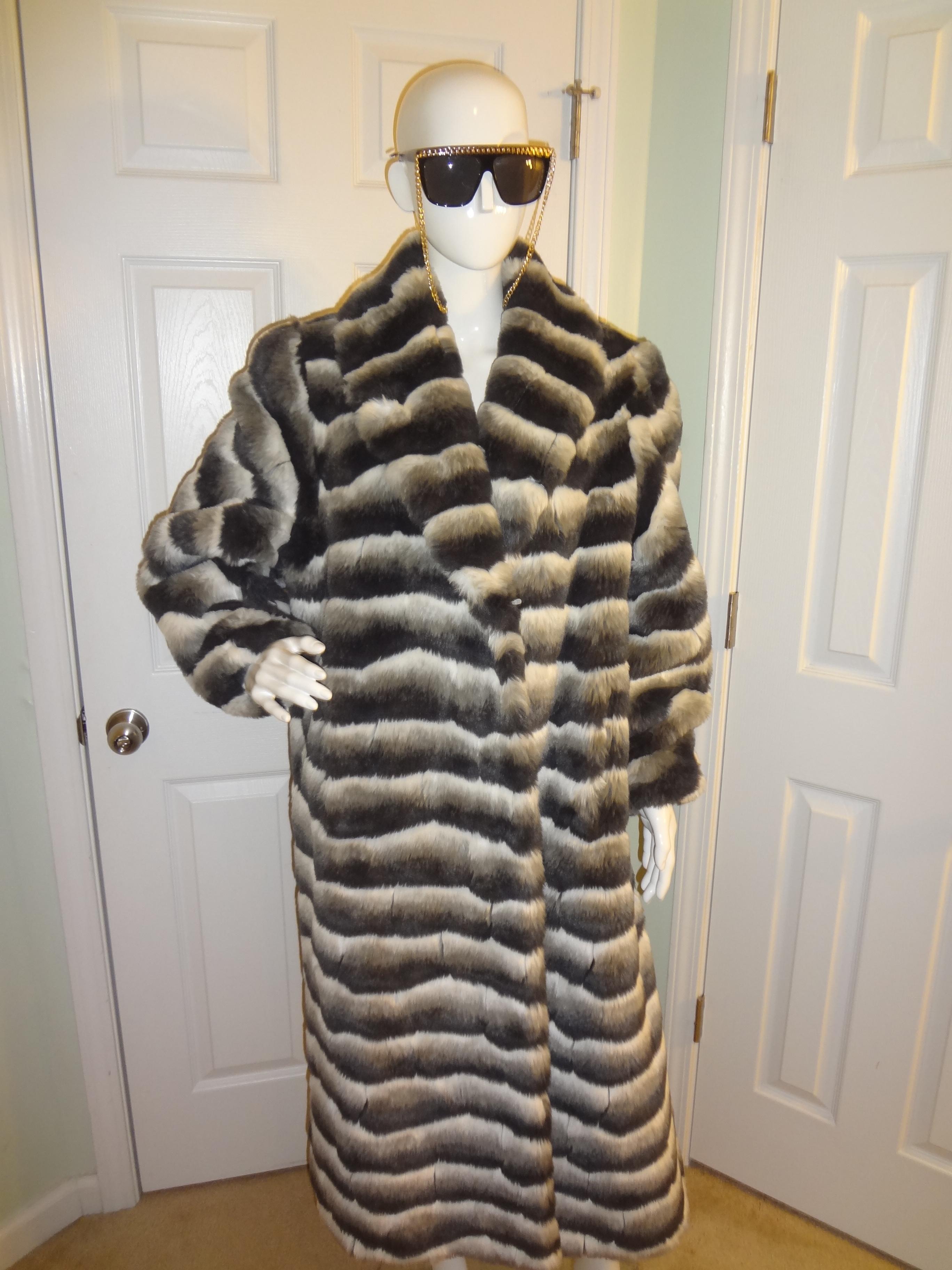 Divaxpress Resale   Vintage Donna Lepure NY Faux Fur Coat Size 1x