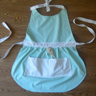Women's apron & spoon set