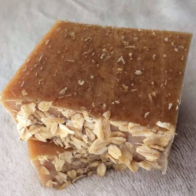 Goats milk & honey oatmeal soap