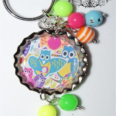Multi-colored owls bottle cap keychain