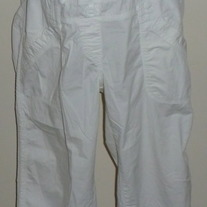 White Capris-Motherhood Maternity Size Large  04123