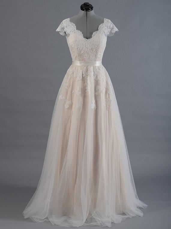 Plus Size Lace Cap Sleeve V Back Alencon Lacetulle Skirt Wedding