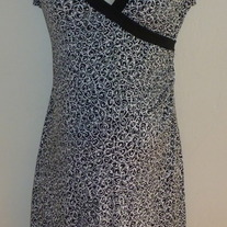 Black/White Dress-NEW-Motherhood Maternity Size Medium  GS513