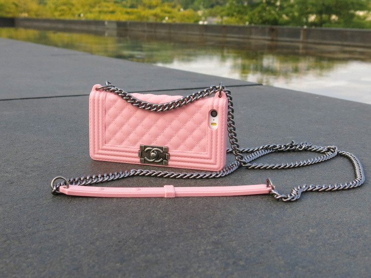 Chanel Iphone 6 Case With Chain Chanel Boy Chain Bag Iphone 6