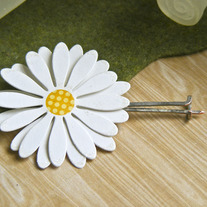 Paper Daisy Pin (choice of 2)