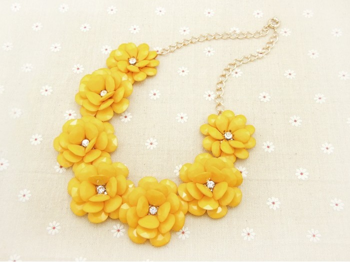 Yellow marigold flower necklace glamorize online store powered yellow marigold flower necklace mightylinksfo