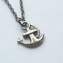 Anchor necklace - Thumbnail 1