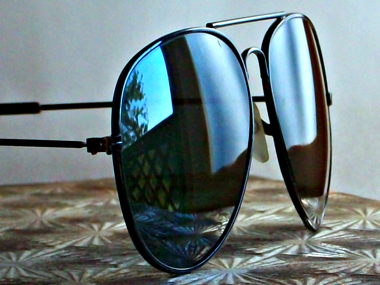 Black_aviators_original