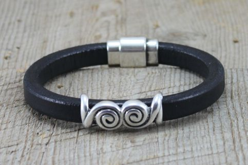 Leather Bracelet by SariBlue