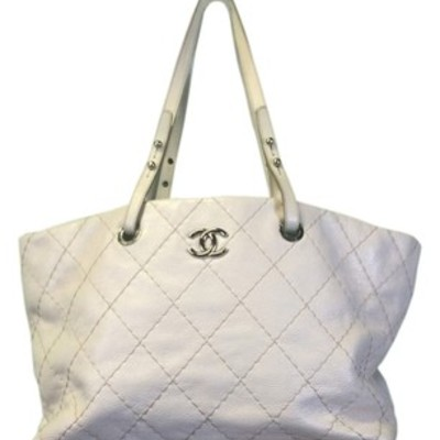 Chanel on the run tote bag