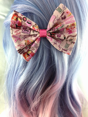 90s girly tumblr girl handmade pink hair bow with kawaii cartoon 90s girly tumblr girl handmade pink hair bow with kawaii cartoon characters voltagebd Image collections