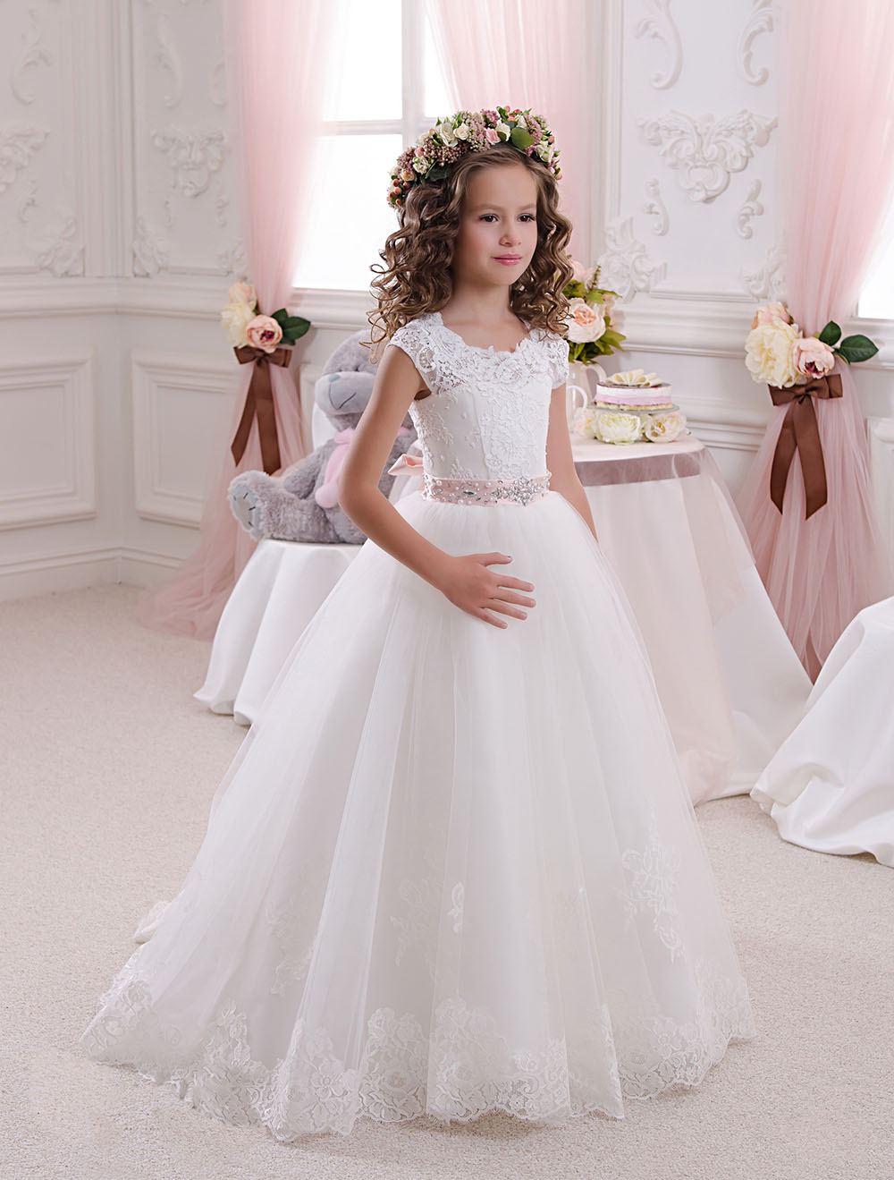 Hot Princess Scoop White Lace Flower Girls Dresses 2017 Ball Gown