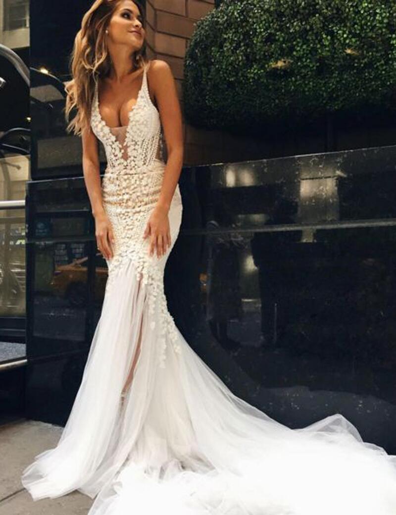 Appliques V-Neck Elegant Mermaid Open-Back Wedding Dress Deep-V-Neck ...