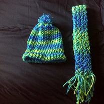 Childs_20scarf_20and_20beanie_20set_medium