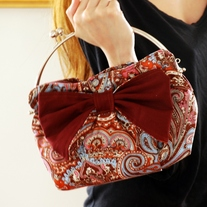 Kiss Lock Clutch - Wine Persian Pickle