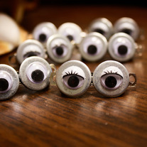LOOK OUT! Googly Eye Barrettes