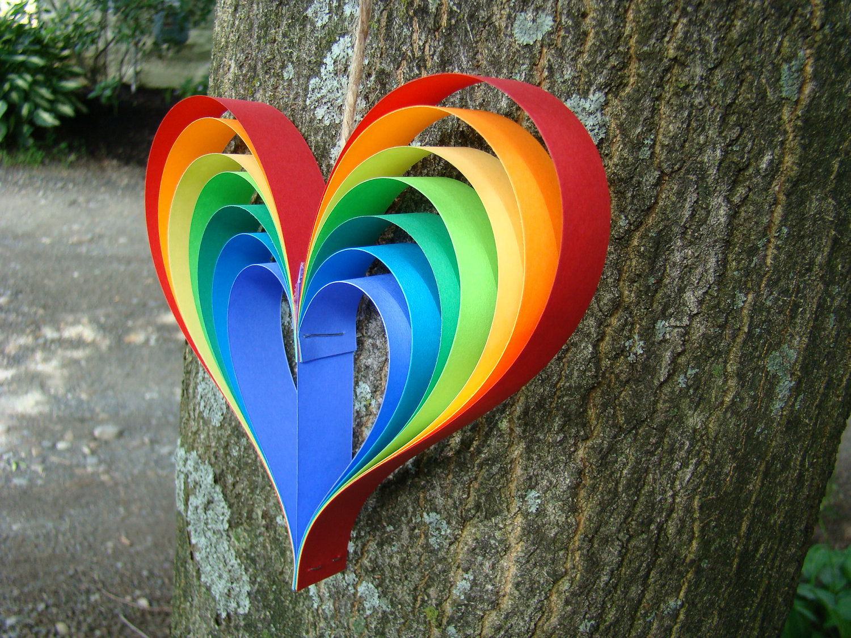 Rainbow Heart Garland - 5' Garland with 5 Rainbow hearts ...