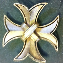 Crown Trifari goldtone Maltese cross shape pin brooch vintage signed