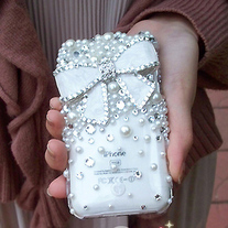 Bling Crystal White Bow With Crystals and Pearls iPhone 4/4S Case
