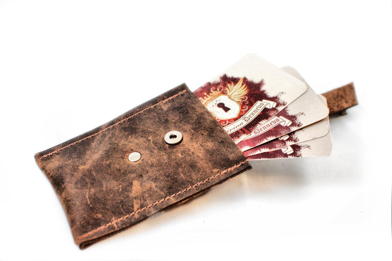 Divina denuevo men39s leather credit card wallet for Steampunk business card holder