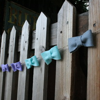 "Mini Felt bow Garland in ""sherbet"""