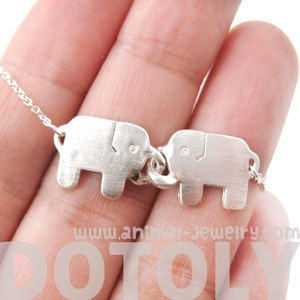 Adorable Linked Elephant Friends Animal Pendant Necklace in Silver