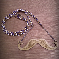 Mustache-necklace_medium