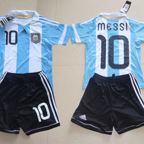 1011-2012_20argentina_20home_20kid_2010_23_20messi_20soccer_20jersey_medium