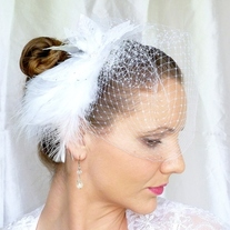Snow White Bridal Veil Fascinator - Thumbnail 2