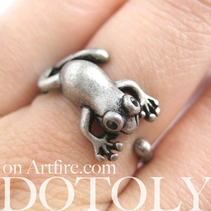 Miniature Baby Frog Animal Wrap Ring in Silver - Sizes 4 to 8.5