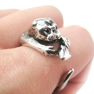 Otter With A Fish Animal Wrap Around Hug Ring in Shiny Silver - Sizes 4 to 9