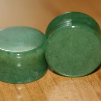 Natural_20jade_20semi_20precious_20saddle_20plug_medium
