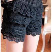 Cake Lace Shorts Black