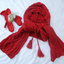 Romwe Snood & Mitten Set