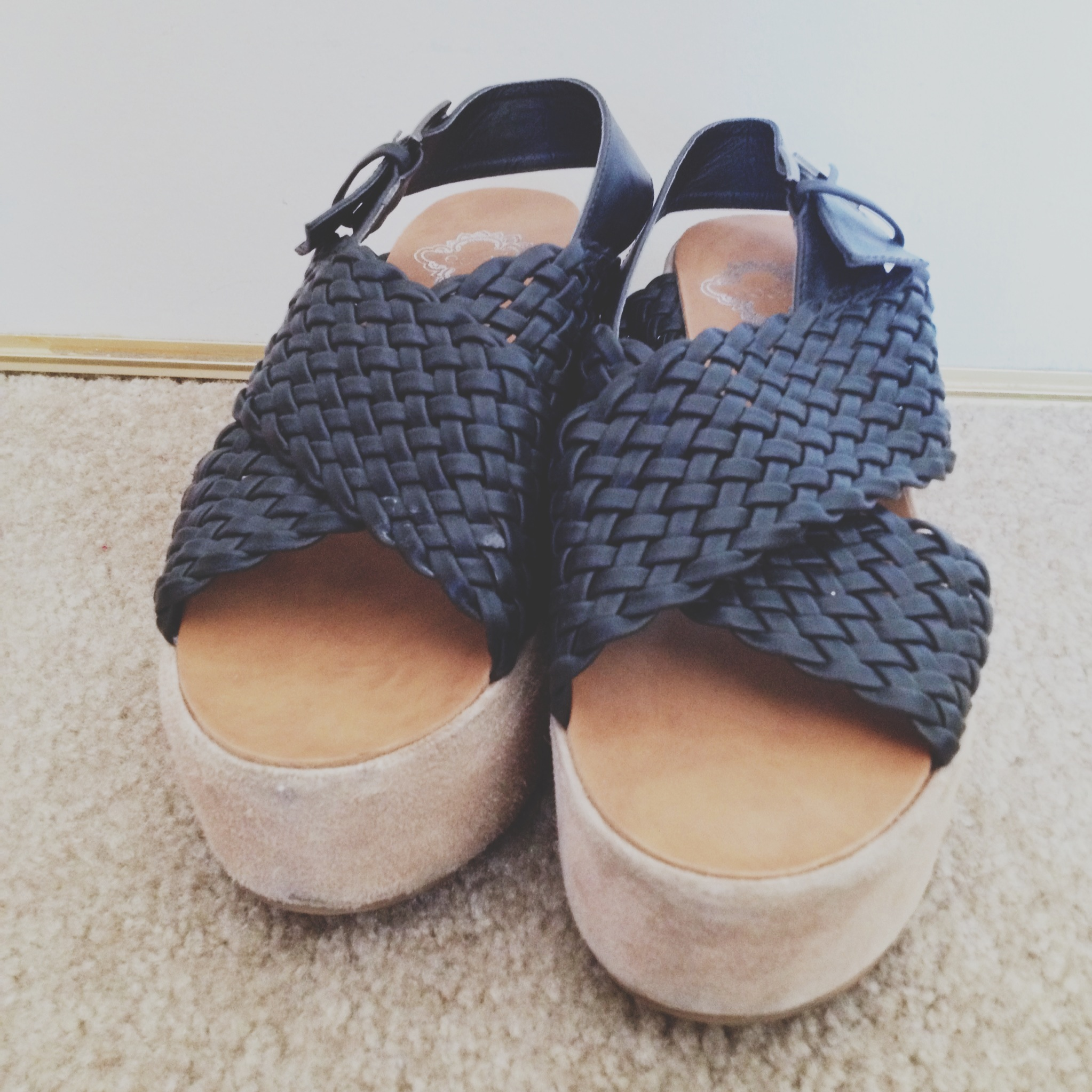 Urban Outfitters Black Woven Platform Sandals Size 7