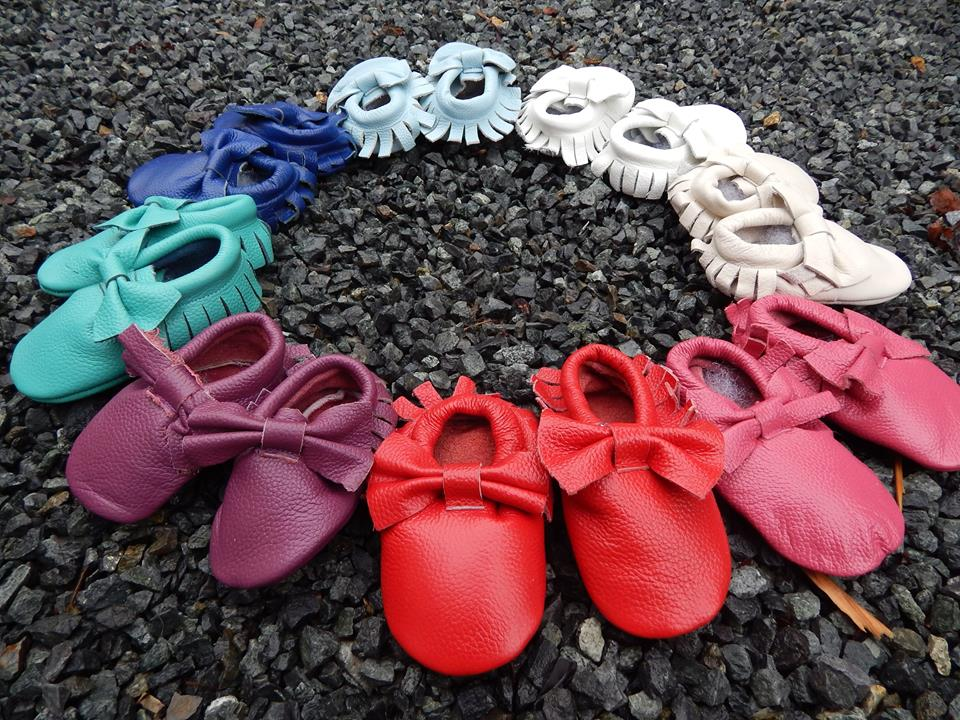 369a5a82cf70 Genuine Leather High quality SIZE 12 to 18 mos Fringe baby toddler Moccasins  Embossed