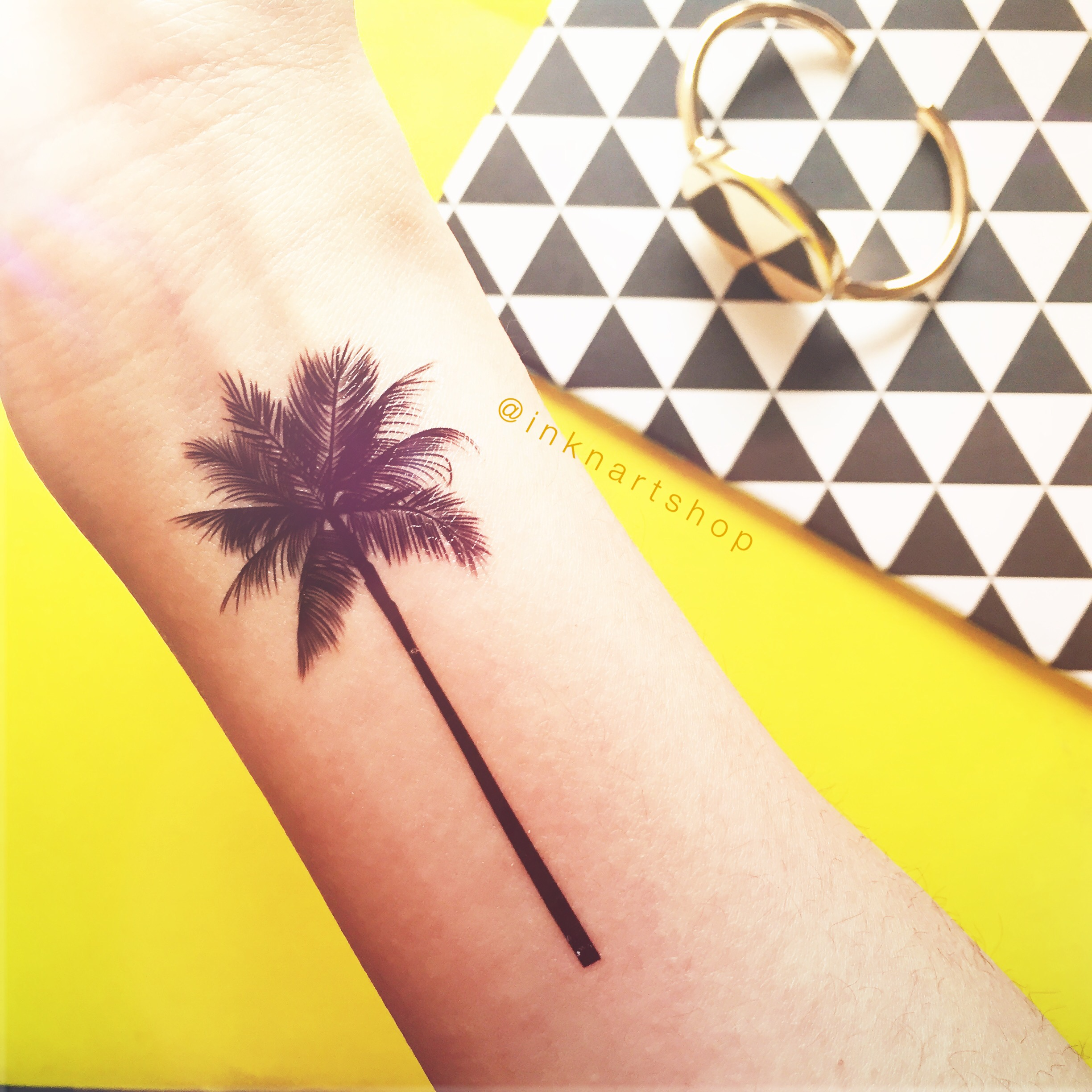 2pcs palm tree tattoo 2 sizes inknart temporary tattoo beach summer vacatoin floral travel arm. Black Bedroom Furniture Sets. Home Design Ideas