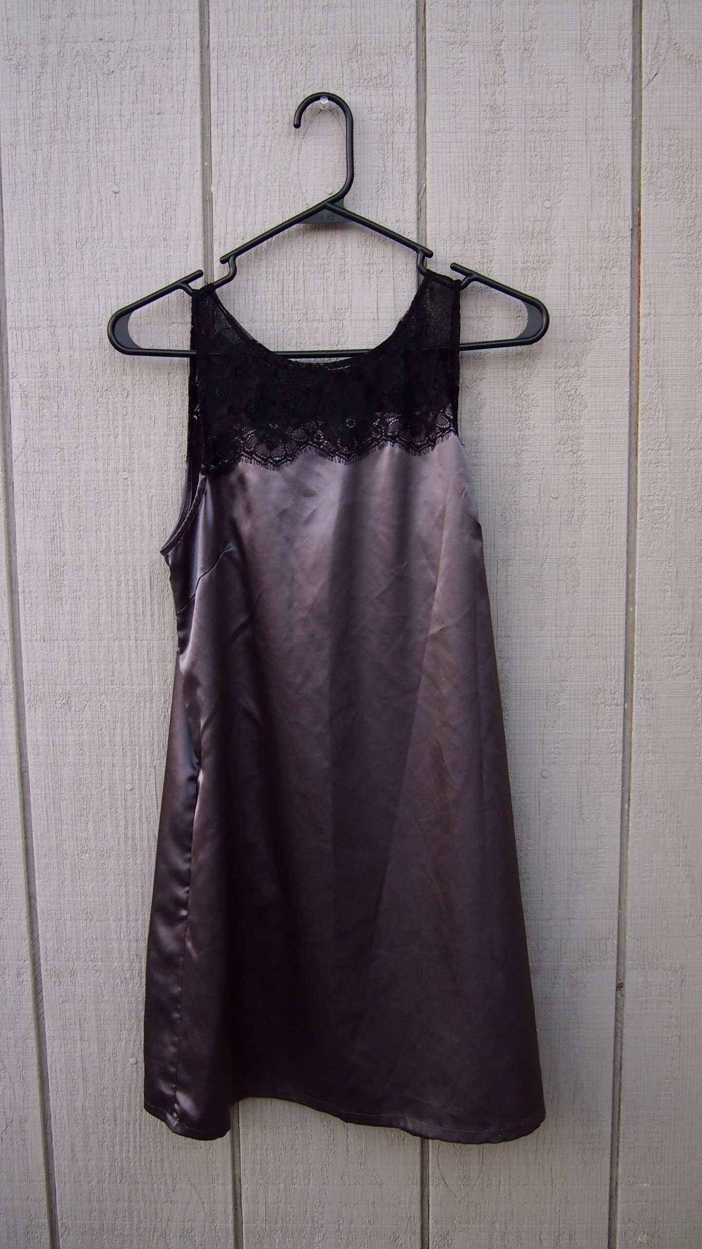 2faaa82b5c64 Forever 21 back lace silver slip with pockets M · Kaitlin & Aaron ...