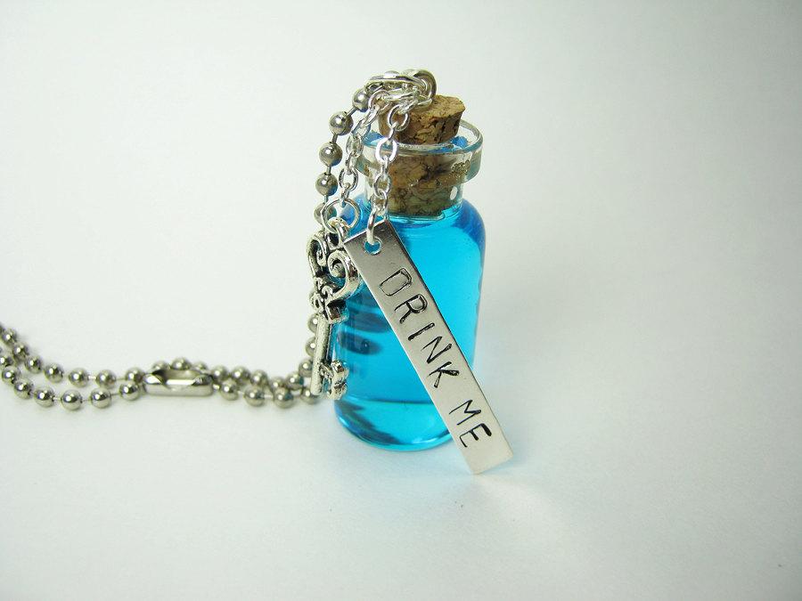 Glass Bottle Pendants Drink me 2ml glass bottle necklace alice in wonderland glass vial drink 20me 20i 20l 20002 original audiocablefo