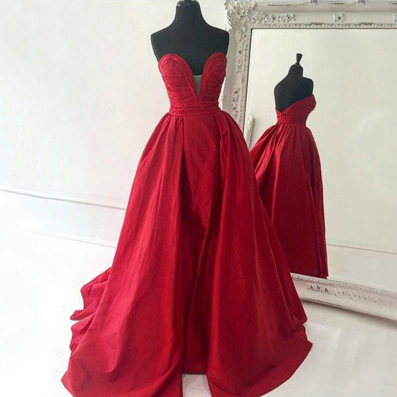 Vintage Dressing Gown: Ruched Sweetheart Floor Length Prom Dress, Vintage Red