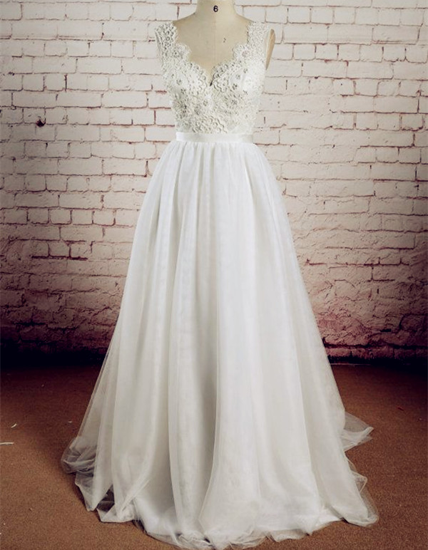 24291239a23 V-Neck Lace Wedding Dresses