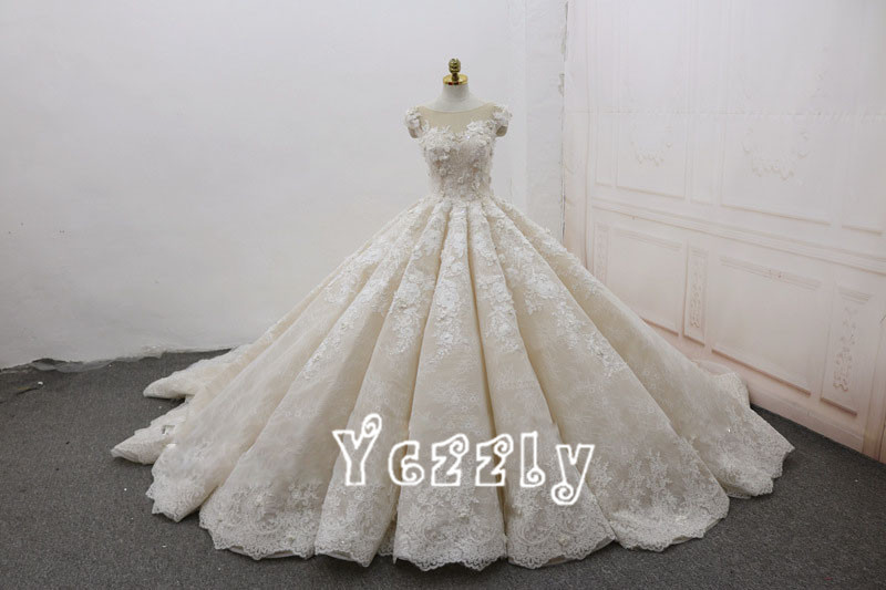 Luxury ball gown puffy lace applique flowers wedding dresses